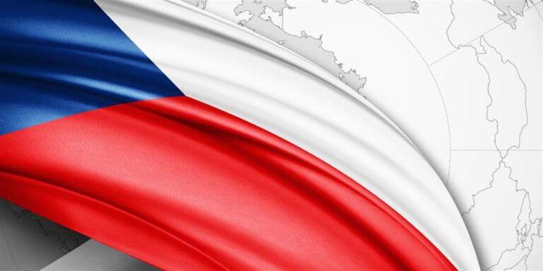 Καλπάζουν οι μολύνσεις Covid-19 σε Τσεχία και Ουκρανία